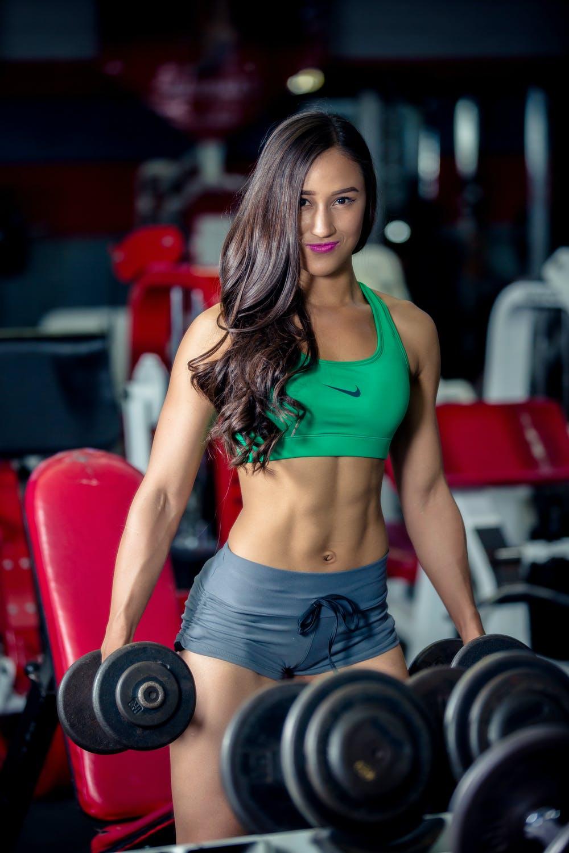 Duy trì luyện tập là cách làm vai thon gọn hữu hiệu.
