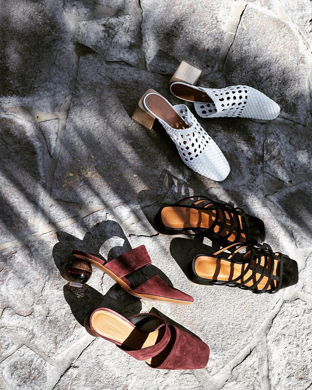 Các kiểu giày mules có gót mùa Hè