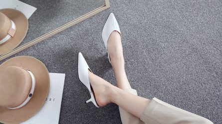 6 kiểu giày mules dẫn đầu xu hướng Hè 2020