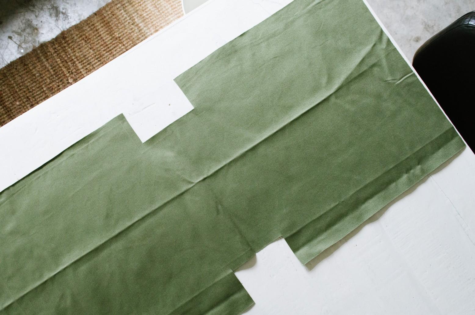 Cách may túi vải tại nhà - cắt vải theo đường vẽ