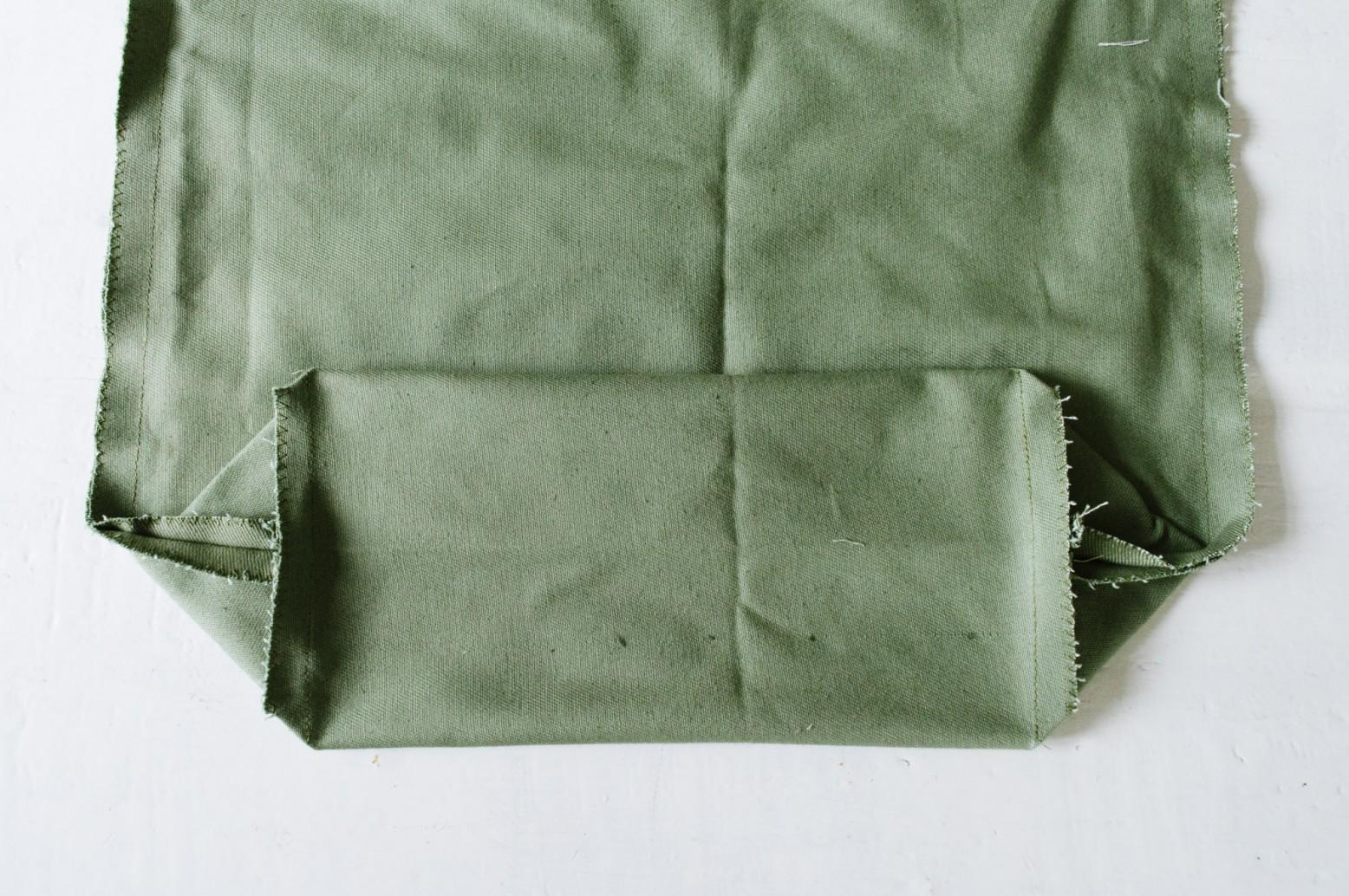 Cách may túi vải tại nhà - khâu đáy túi
