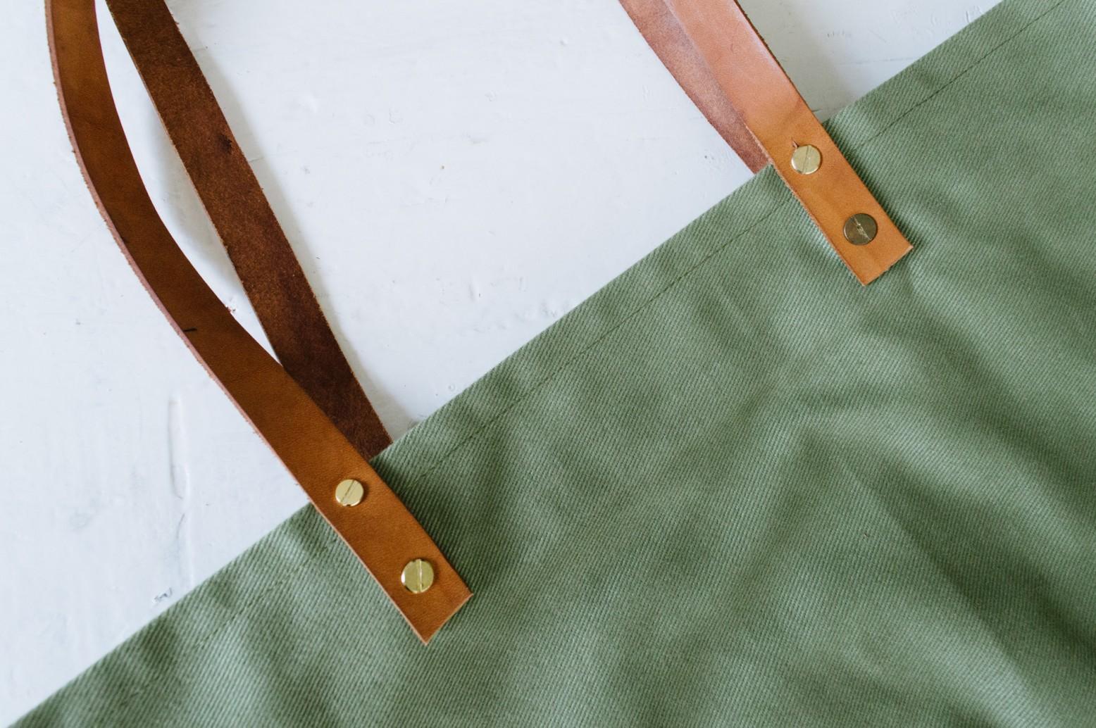 Cách may túi vải tại nhà - gắn quai túi