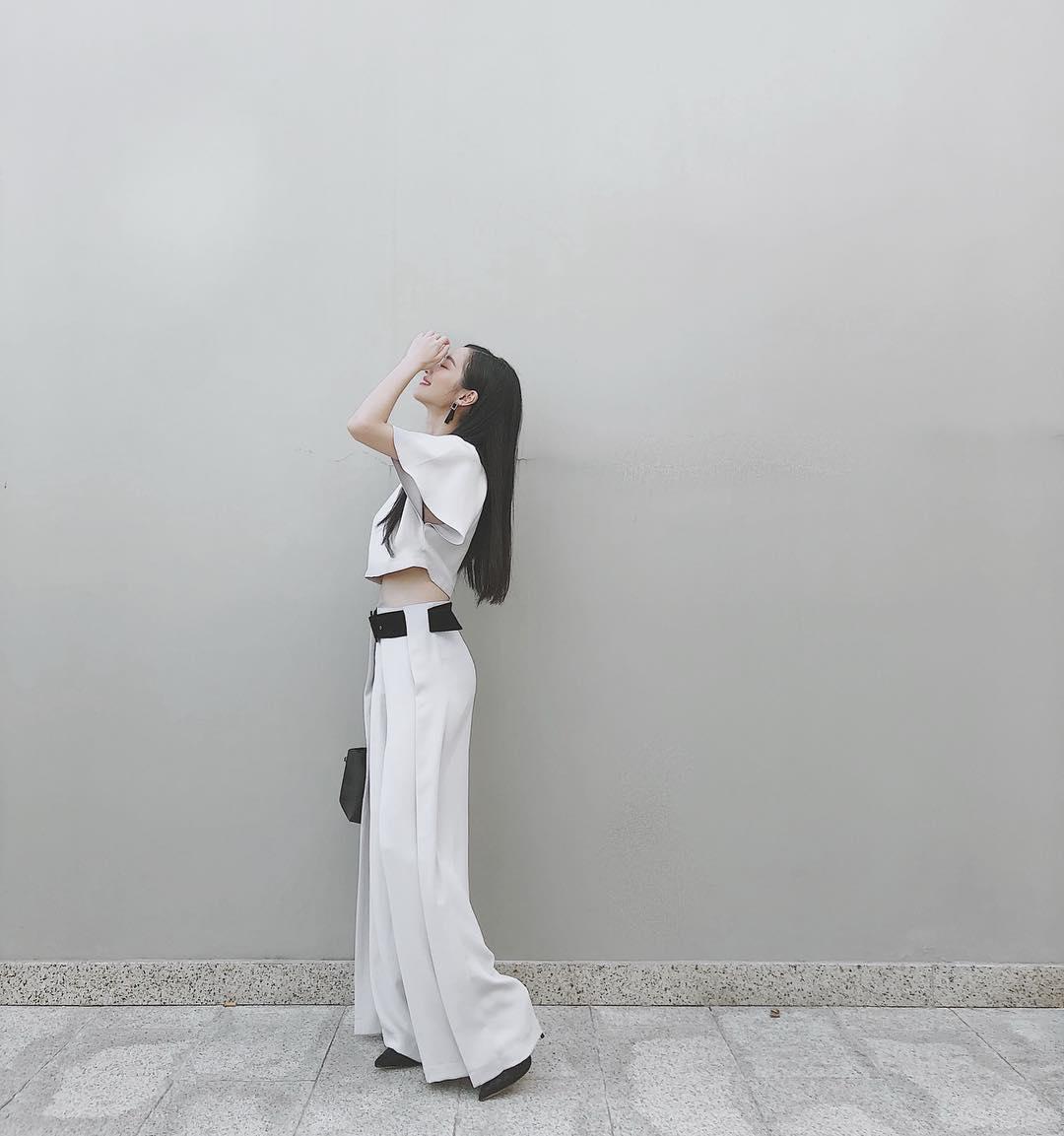 quần trắng palazzo crop top mùa hè jun vũ