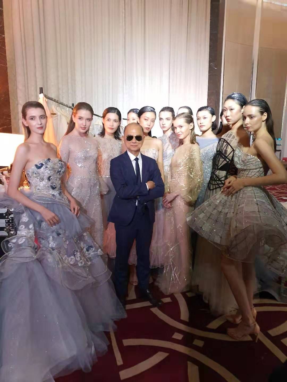 NTK NTK Prof. Jimmy Choo, OBE và người mẫu the atelier