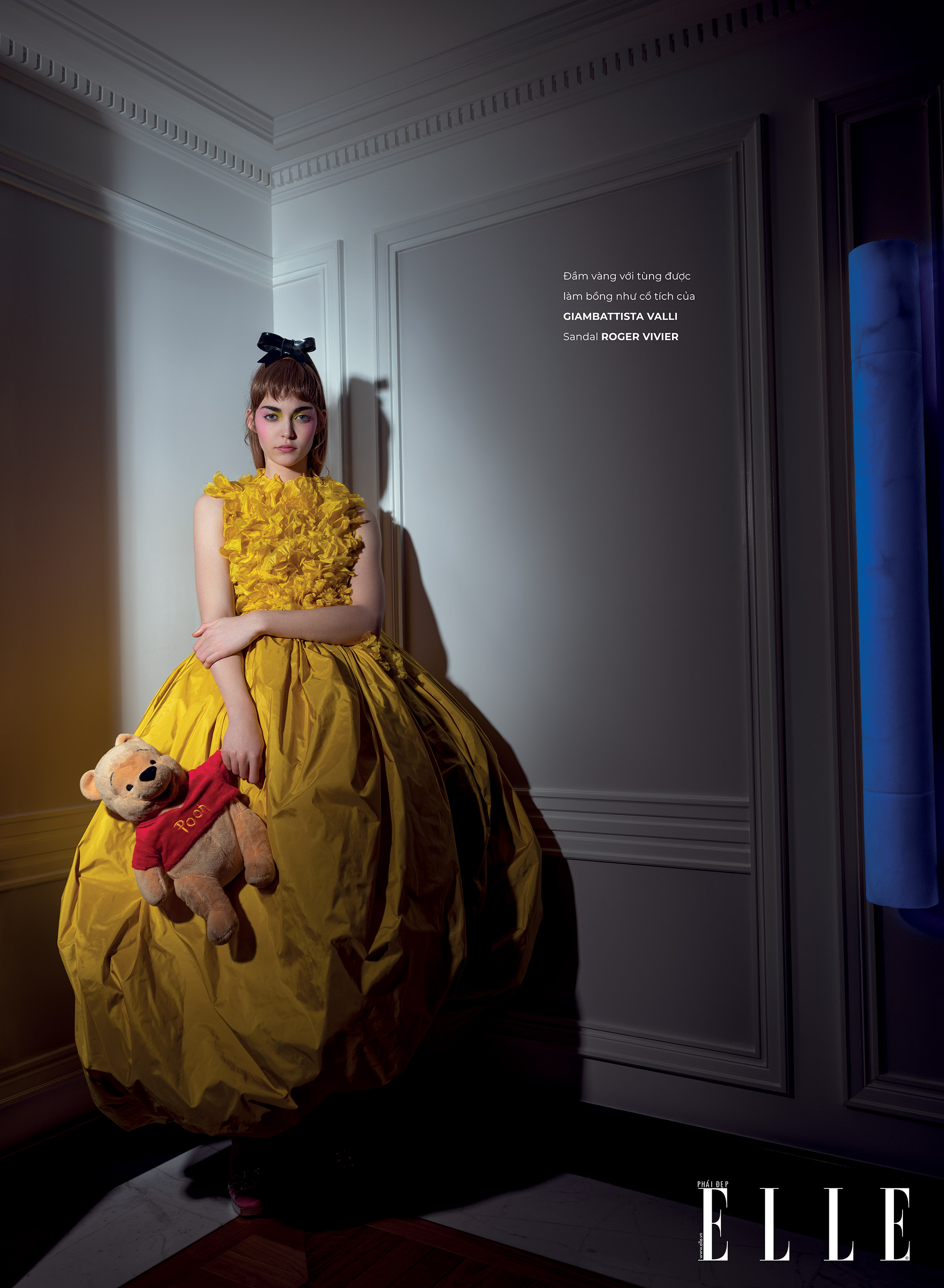 haute couture đầm tung xòe vàng