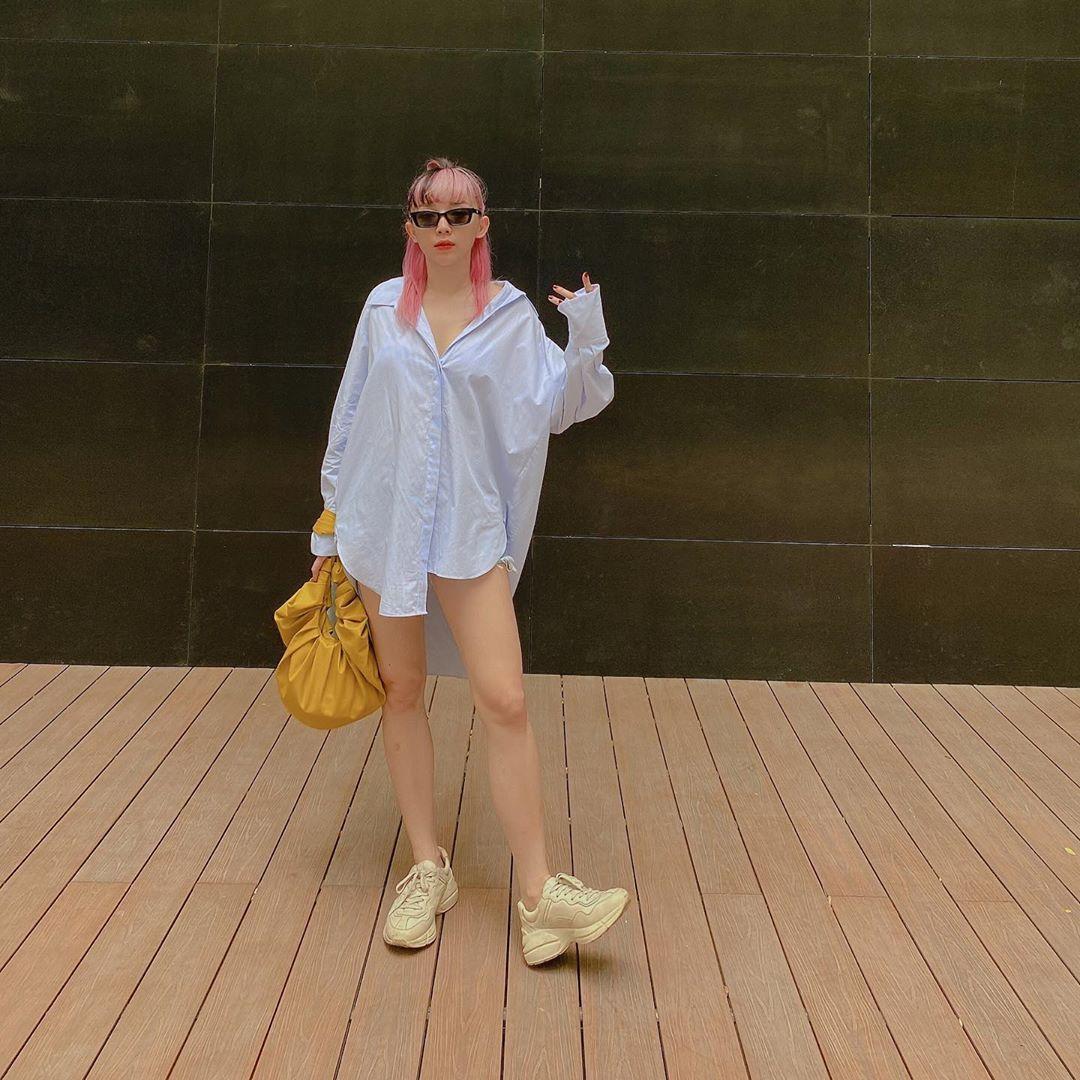 đầm sơmi giấu quần trắng tóc tiên