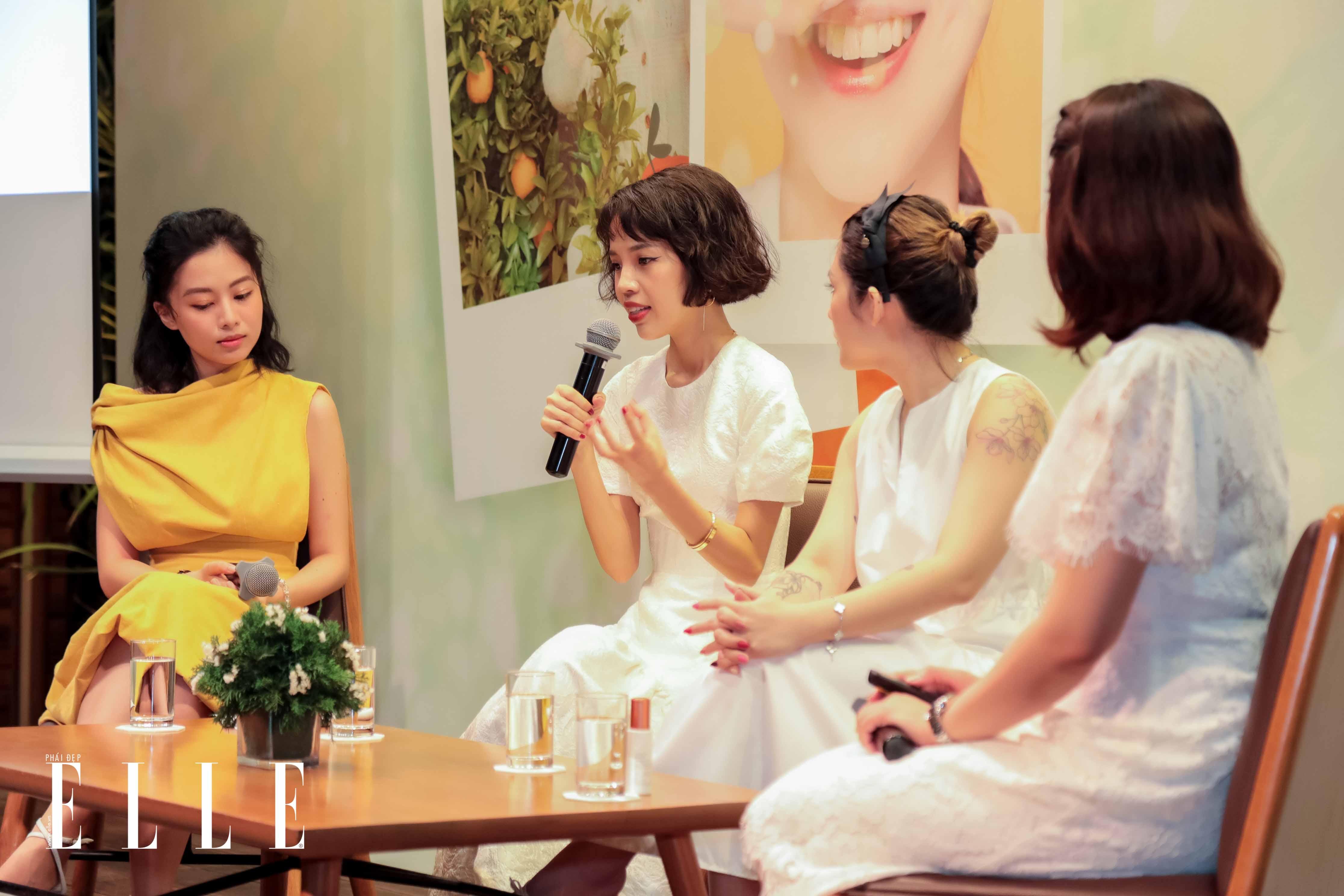 Biên tập viên Nicky Khánh Ngọc phát biểu tại workshop innisfree