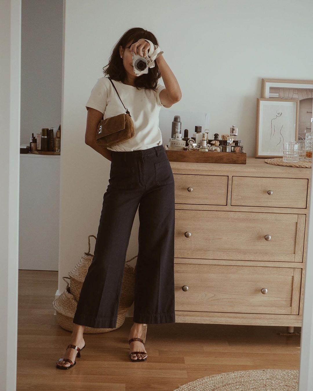 quần culottes đen áo thun trắng
