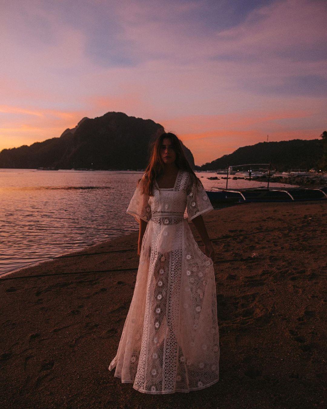 Váy mùa hè ren trắng phong cách bohemian
