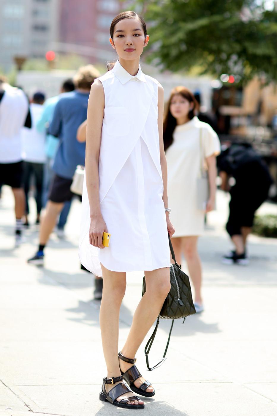 bí quyết mặc đầm sơ mi từ fashionista không tay