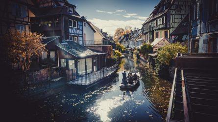 Du ngoạn 10 thị trấn thơ mộng nhất nước Pháp