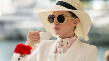 Anne Hathaway - Quý cô thanh lịch bước ra từ màn ảnh
