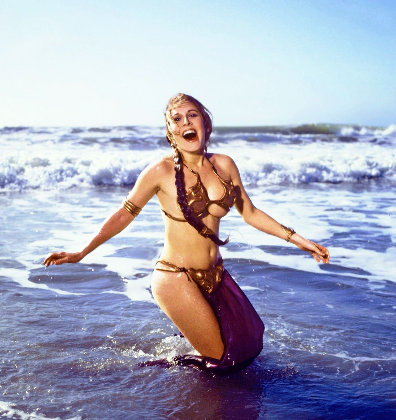 carrie fisher star wars bộ bikini vàng