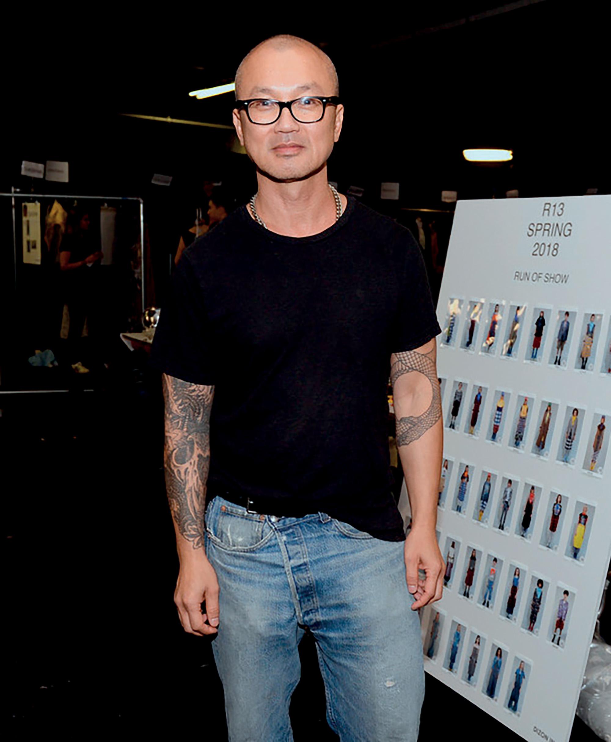nhà thiết kế thời trang Chris Leba