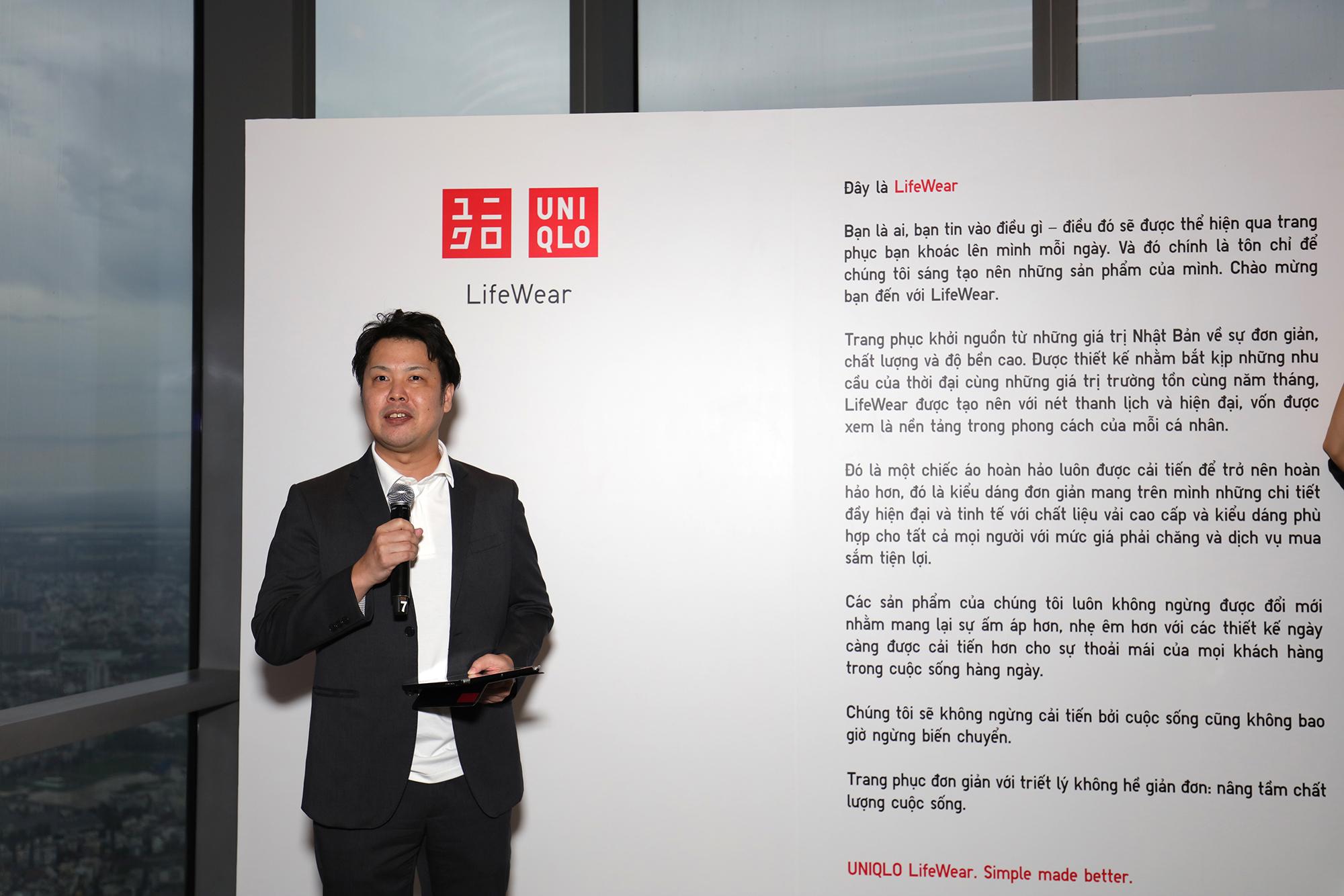 tổng giám đốc uniqlo việt nam tại buổi lễ ra mắt cửa hàng tại landmark 81