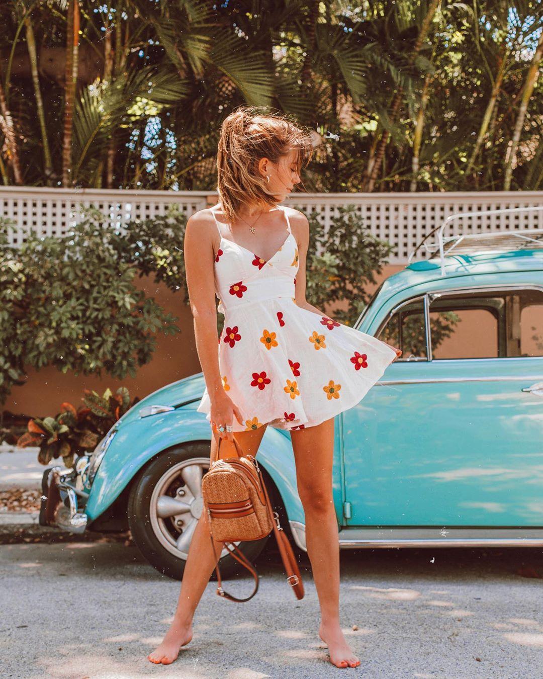 thời trang hè - đầm trắng in hoa