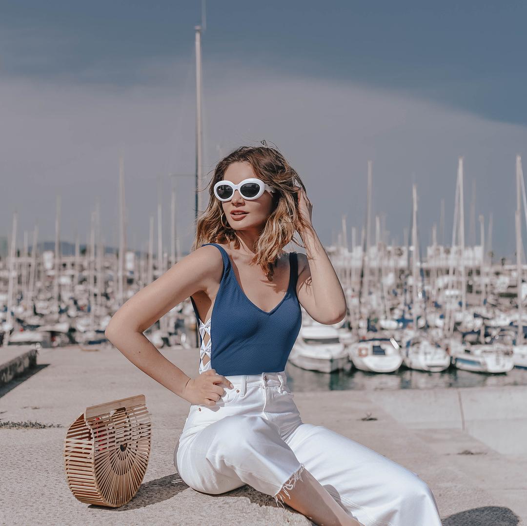 Thời trang mùa Hè - kính mát to bản đi biển