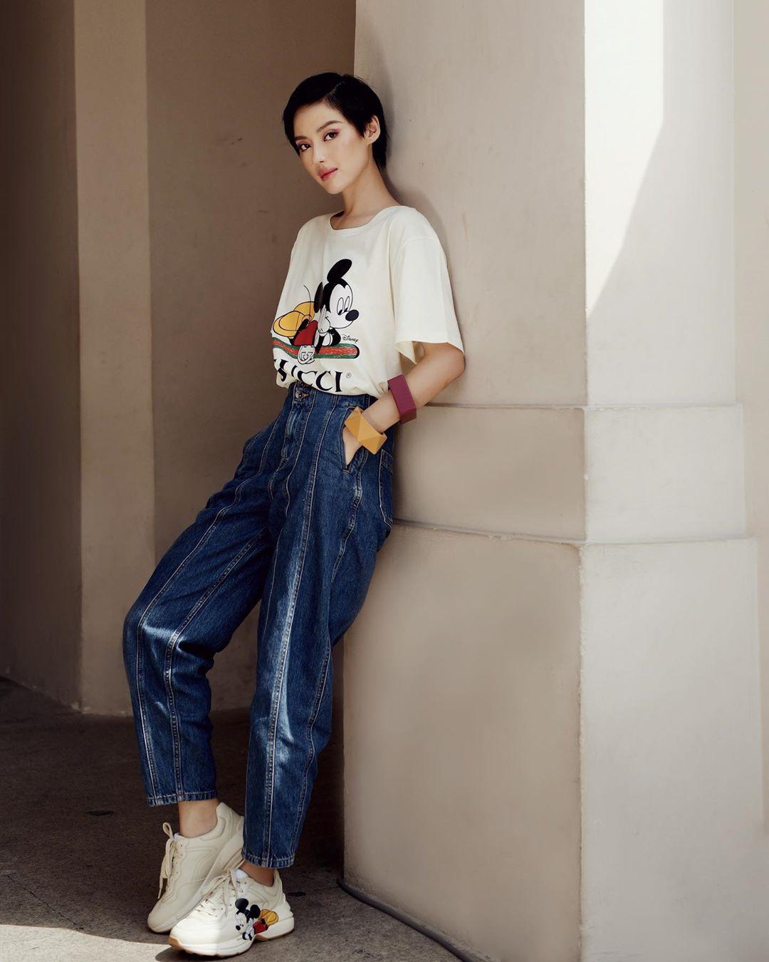 quần mom jeans vintage aesthetic áo thun mickey gucci khánh linh