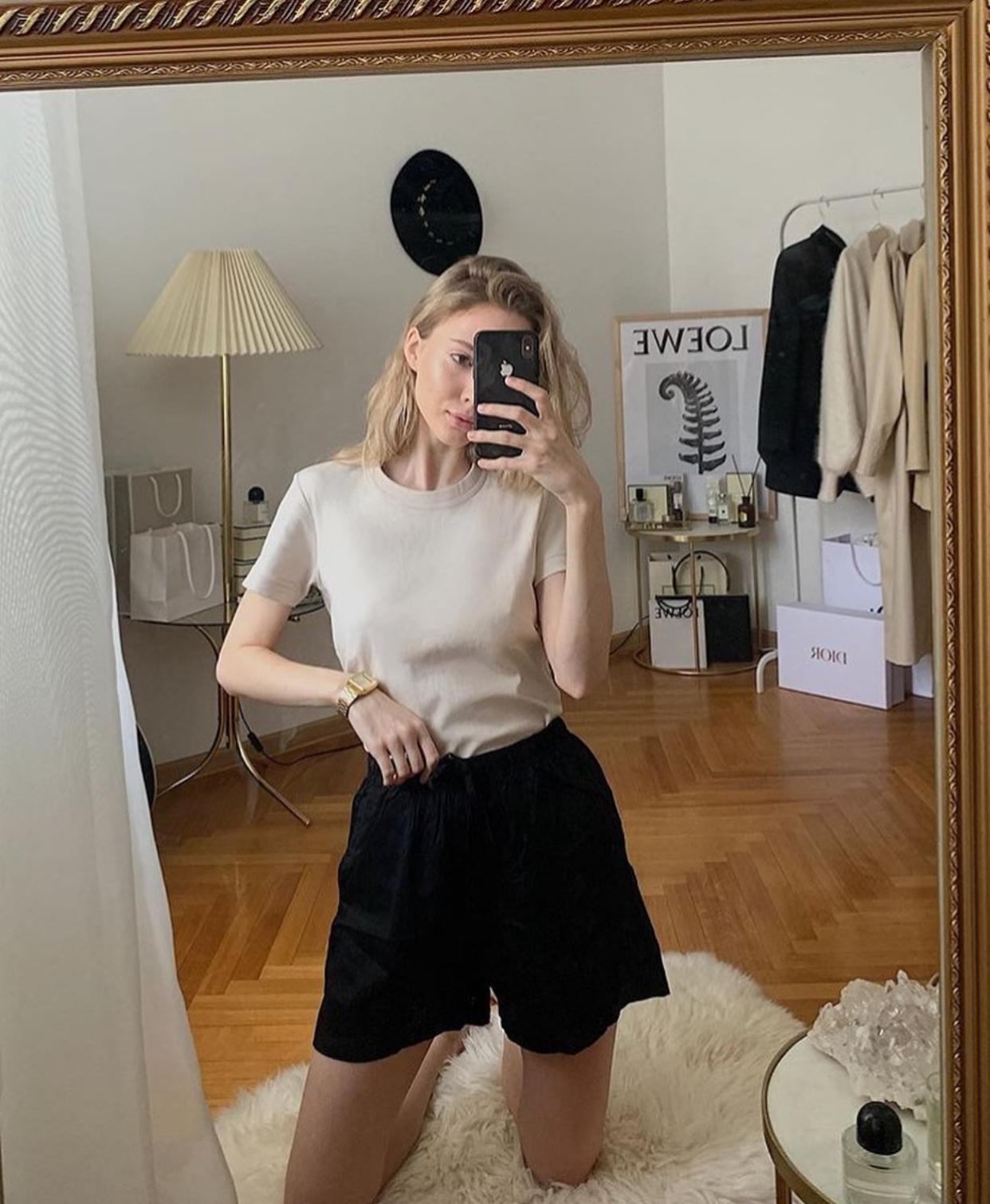 short ống rộng và áo thun
