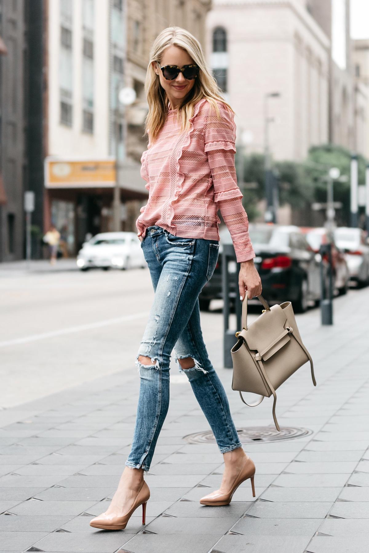 fashionjackson mac quan jeans rach va ao hong phong cach toi gian