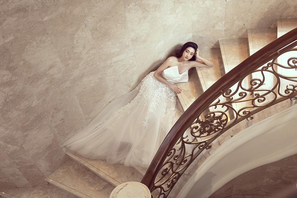 bst váy cưới im yours asiana plaza cổ trái tim đắp hoa 3d
