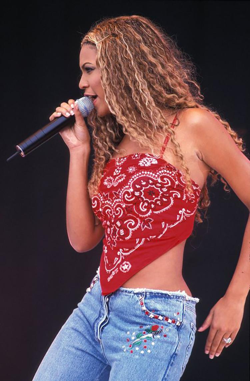 Beyoncé wearing bandana top