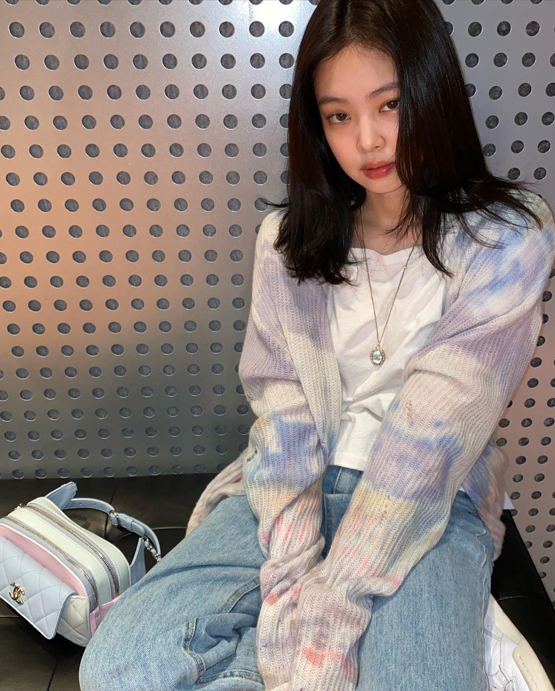 áo thun tie dye phong cách retro 90 vintage jennie kim