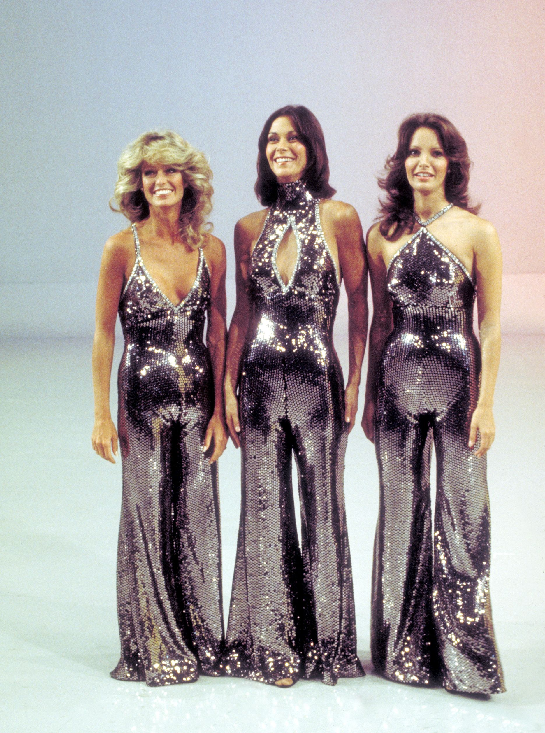 Jumpsuit sequin trong phim Charlie's Angels