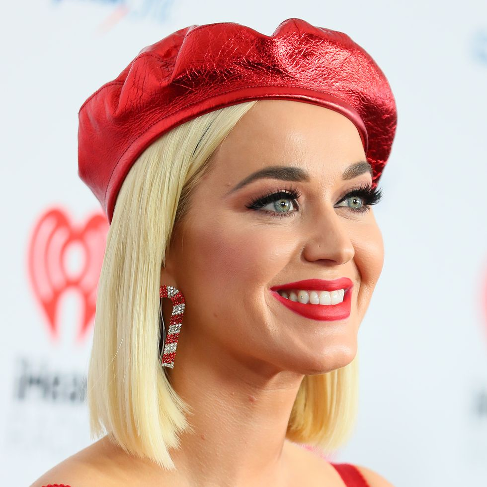 Bí quyết chăm sóc da khoẻ đẹp và rạng rỡ như nữ ca sĩ Katy Perry.