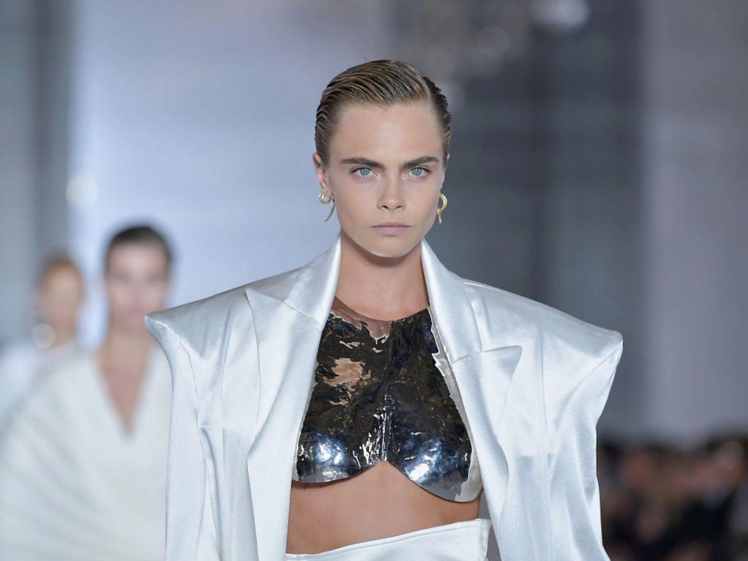 người mẫu thời trang lgbt cara delevingne