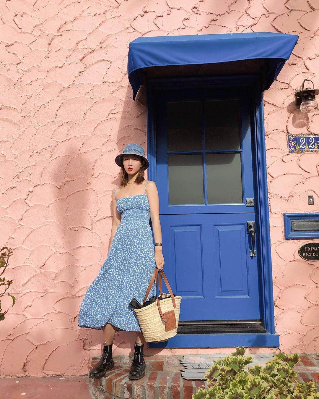túi tote đan cói mùa hè đầm hai dây họa tiết hoa mũ bucket