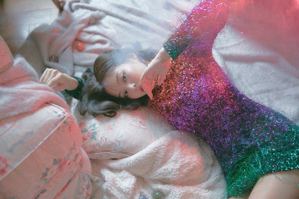 jennie kim hình hậu trường mv solo váy sequin