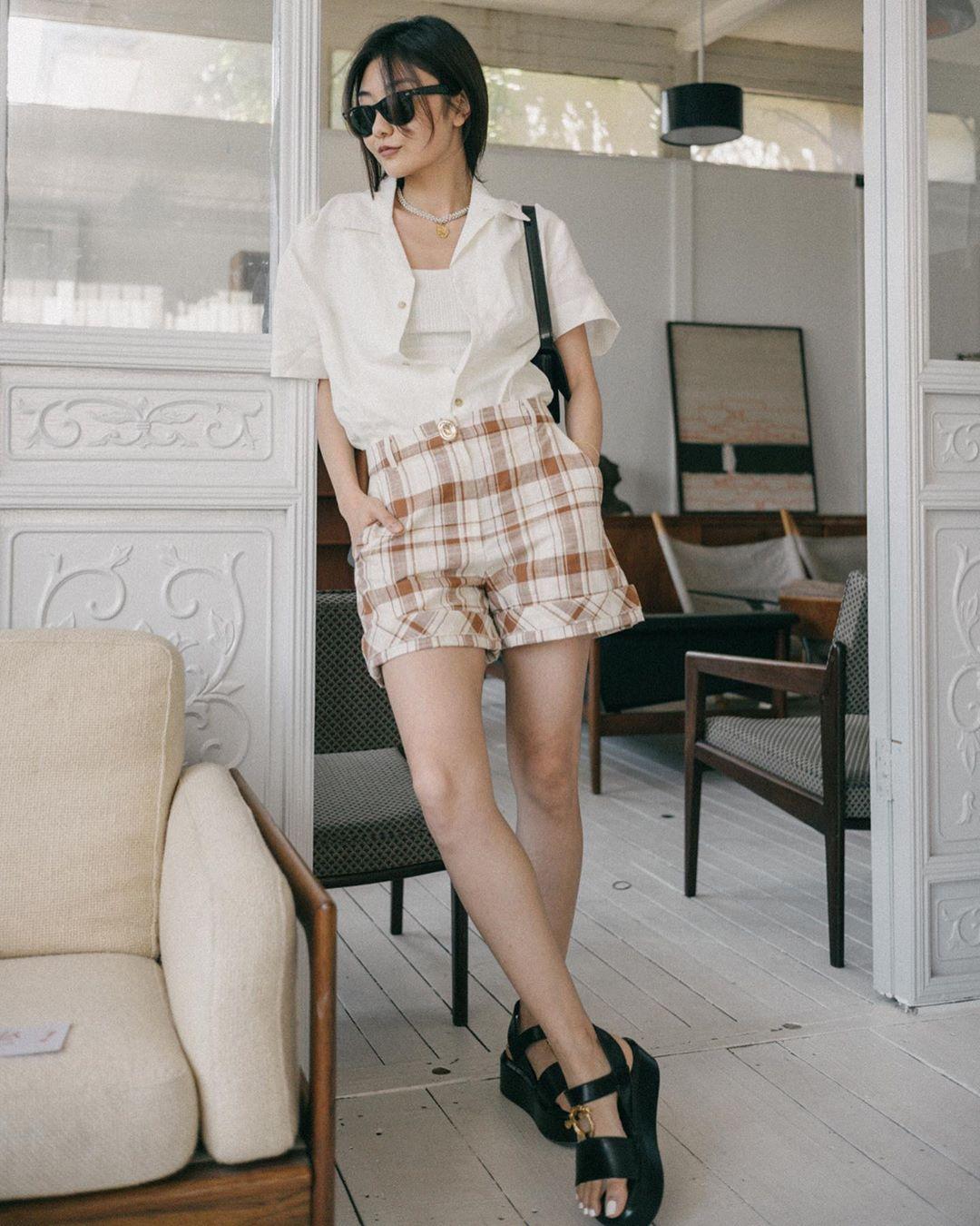 savislook mang giày sandal nữ đế thô và shorts ống rộng
