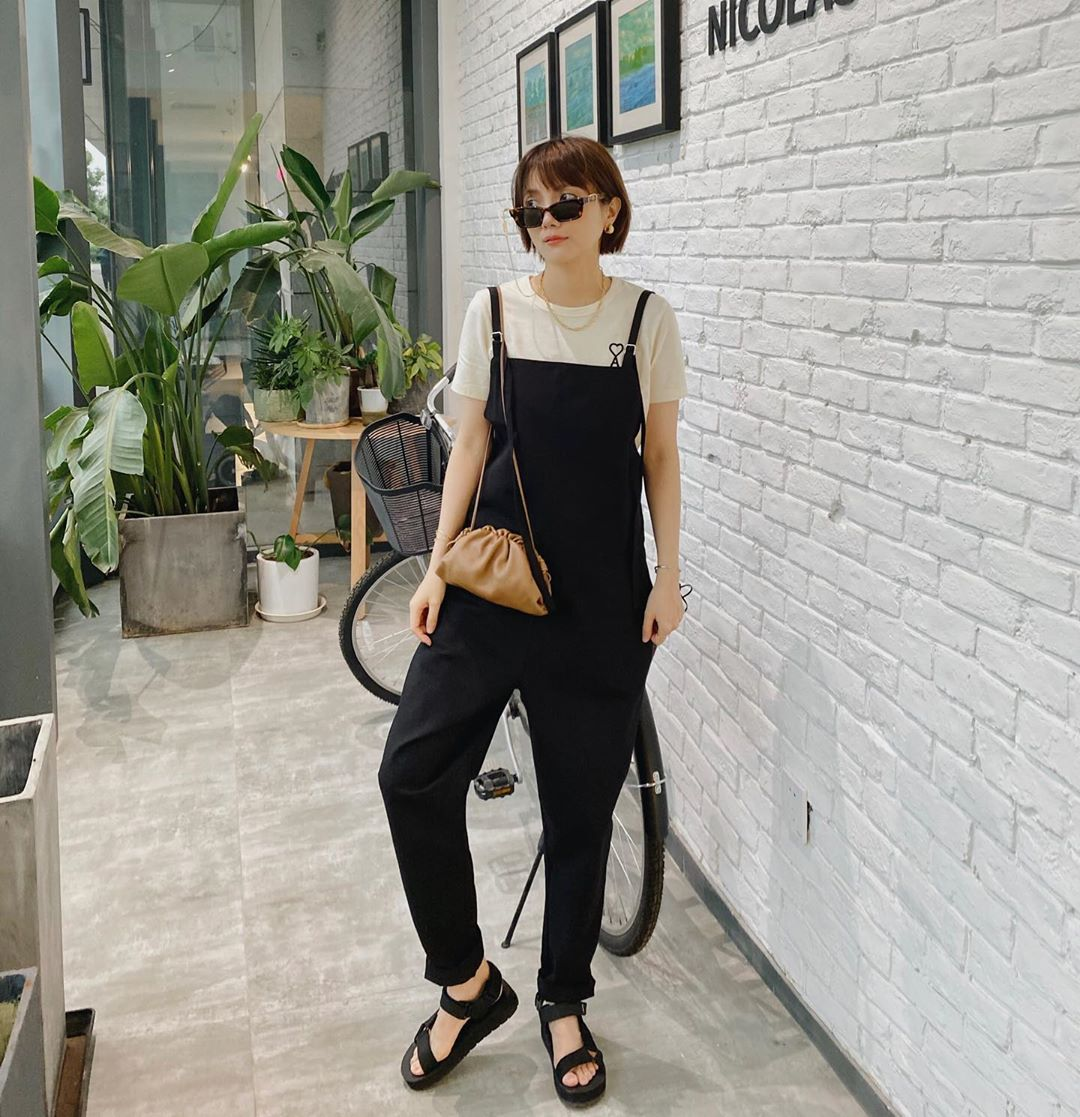 stylebyvv phối giày sandal nữ đế thô và quần yếm