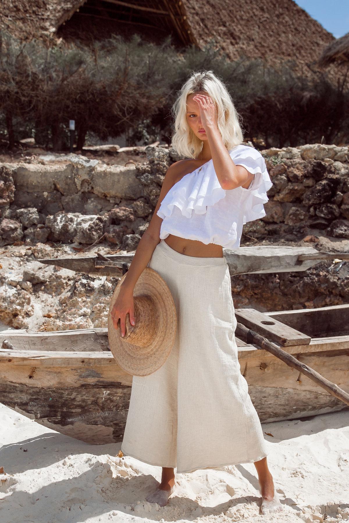 palm collective áo lệch vai nhún bèo chất liệu xô quần linen culottes