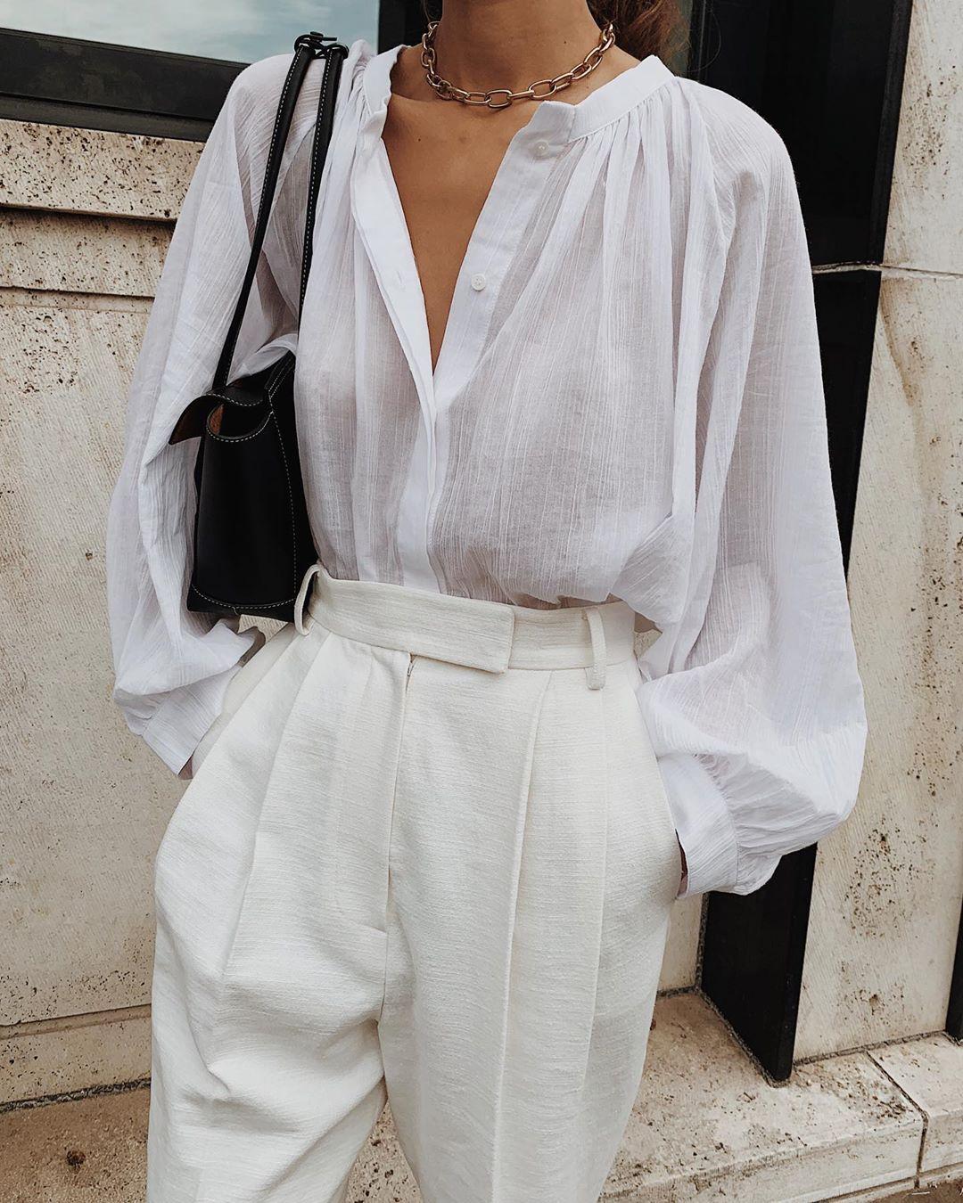 áo sơ mi trắng vải xô phong cách tối giản