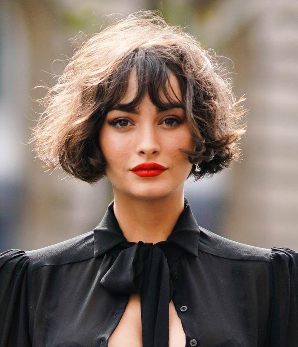 Kiểu tóc bob xoăn ngắn như quý cô Paris