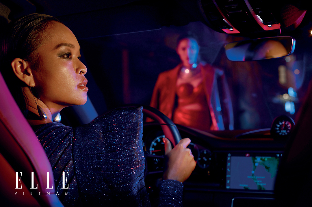 cô gái lái xe