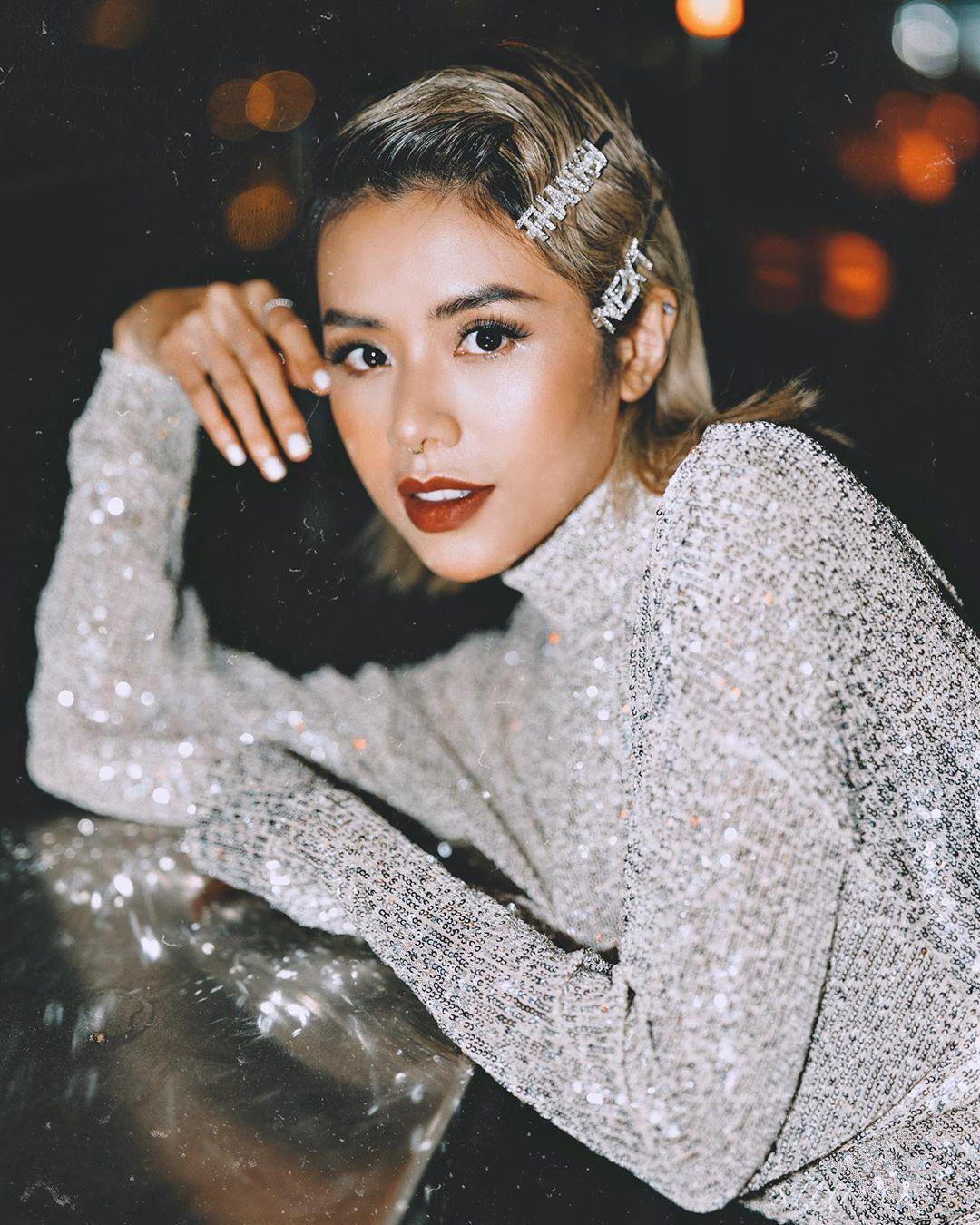 Thời trang cung cự giải - Gấu Zoan mặc đầm sequin bạc