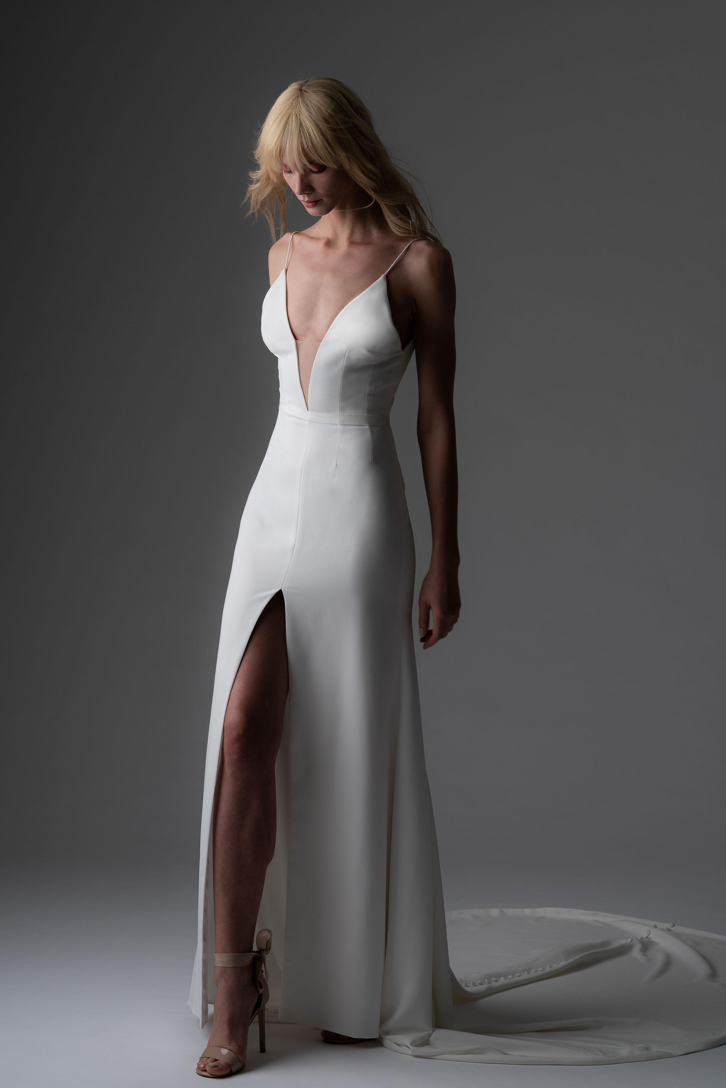 Váy cưới Alyne by Rita Vinieris hai dây màu trắng