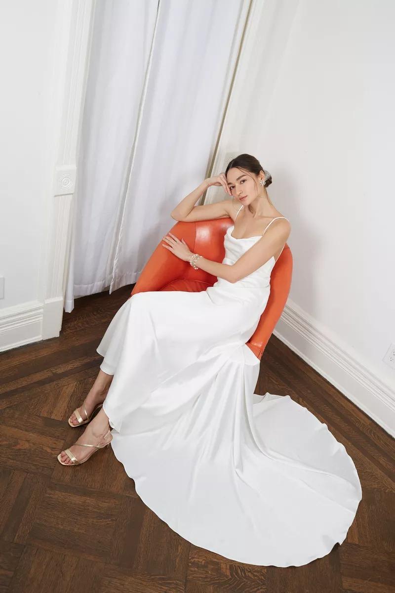 Váy cưới BHDLN lụa hai dây màu trắng