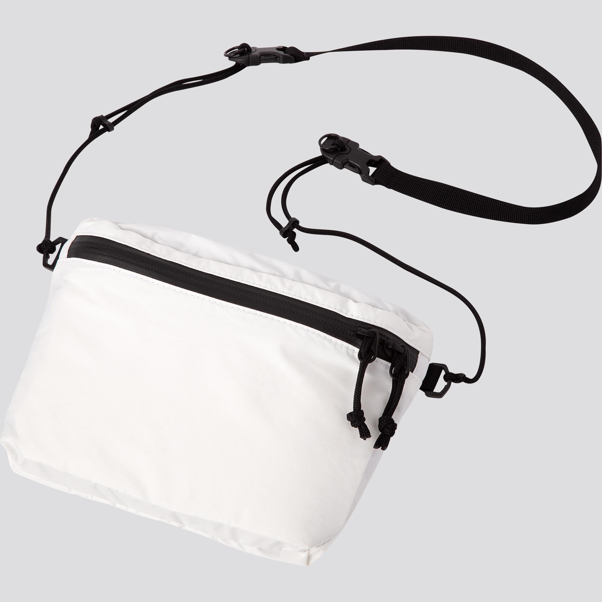 túi đeo hông uniqlo màu trắng dây đeo màu đen