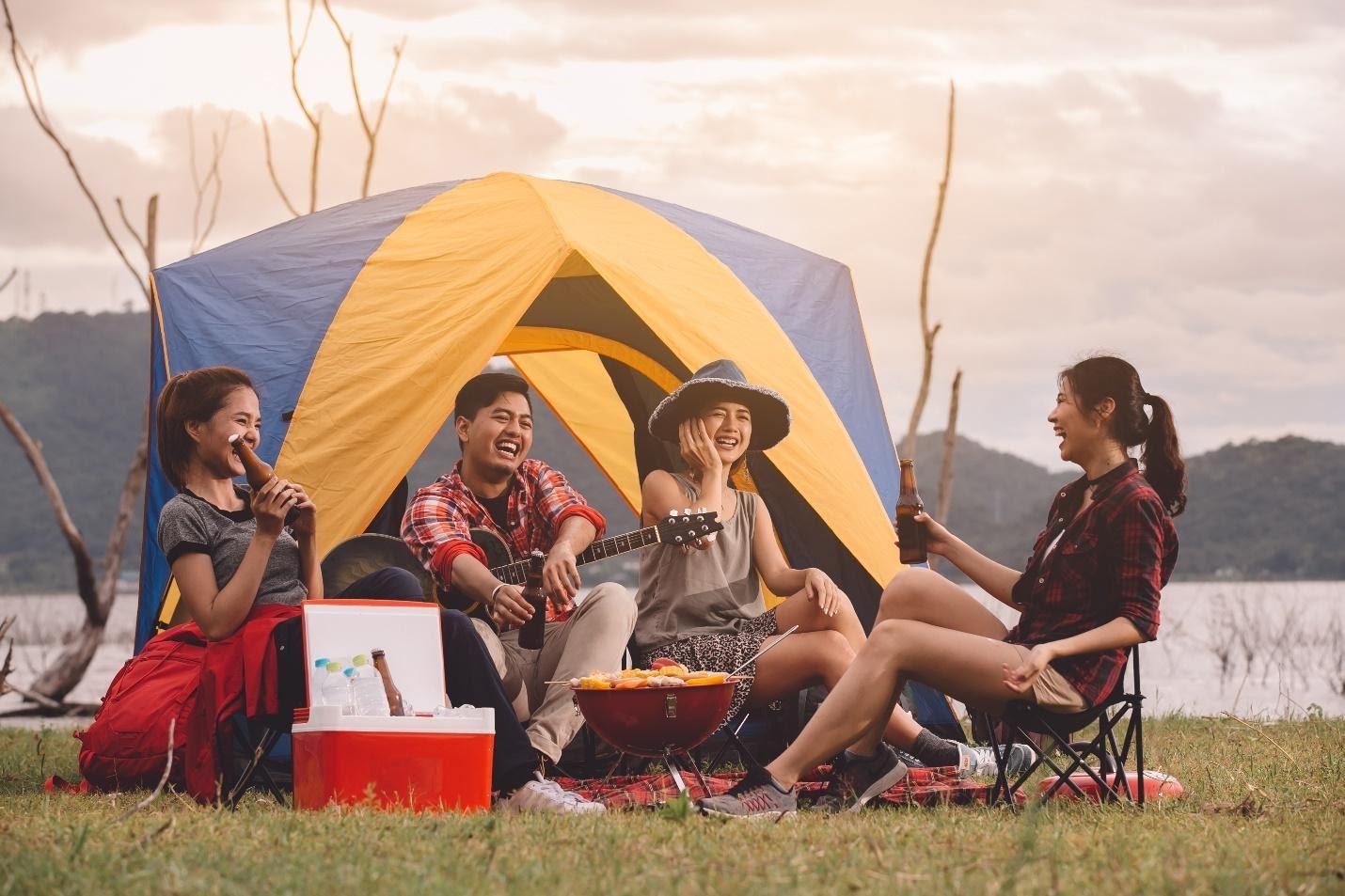 staycation - cắm trại