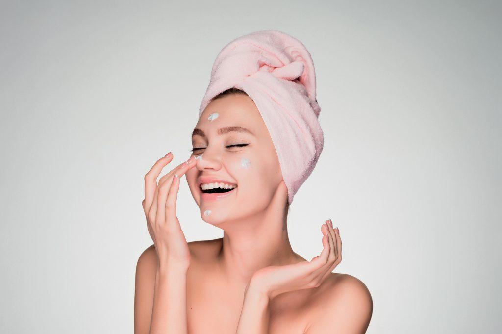 làn da như đi spa với dưỡng ẩm