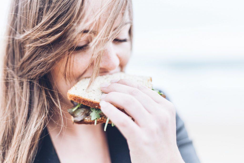 thèm ăn bánh mì giảm cân