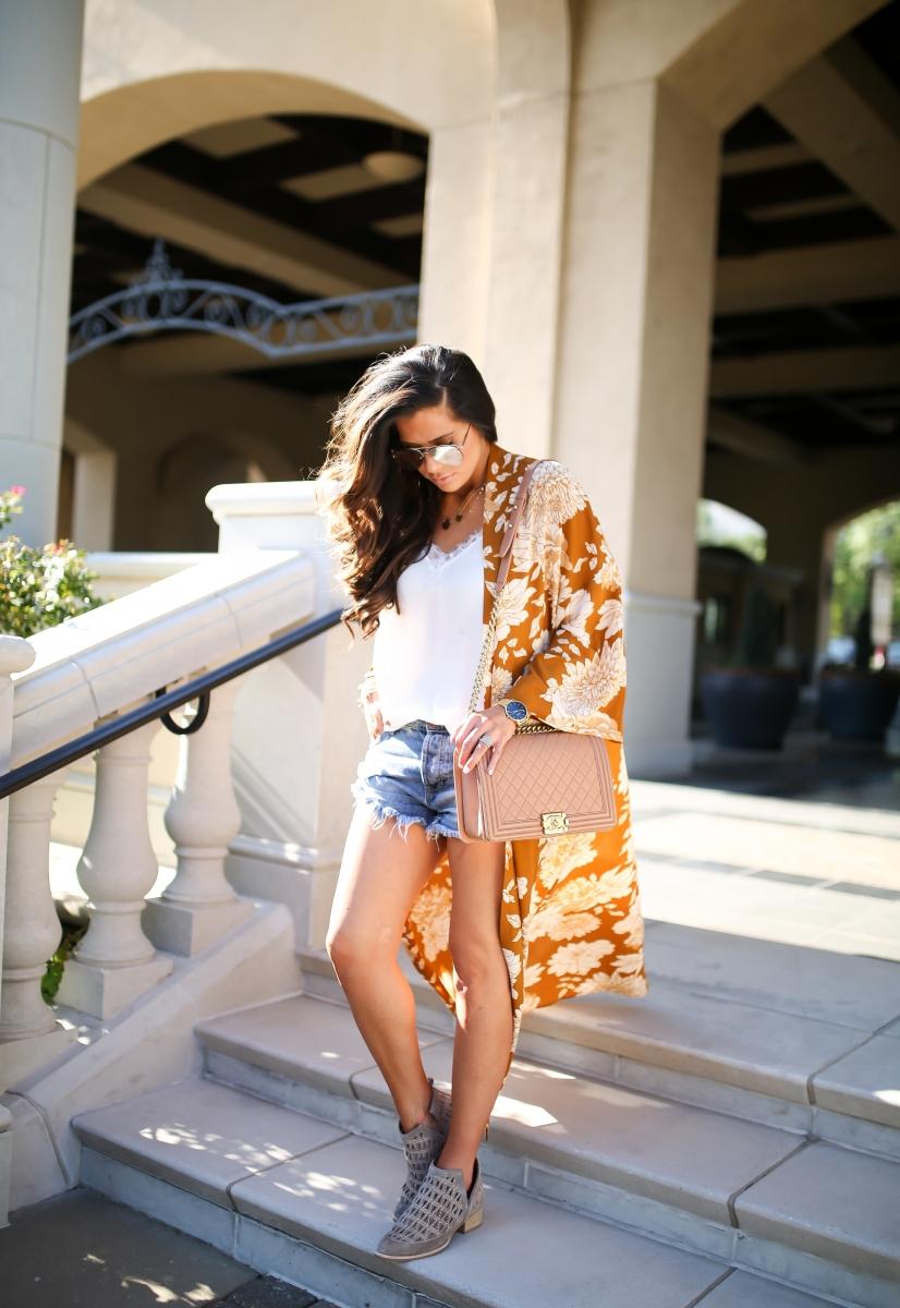 The Sweetest Thing Blog áo kimono, áo hai dây và quần short