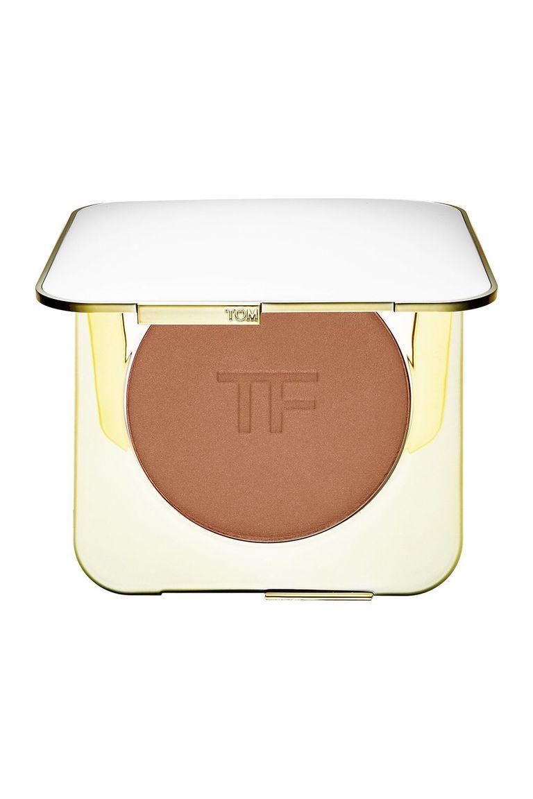 sử dụng Tom Ford Bronzing Powder in Gold Dust là cách làm mặt nhỏ