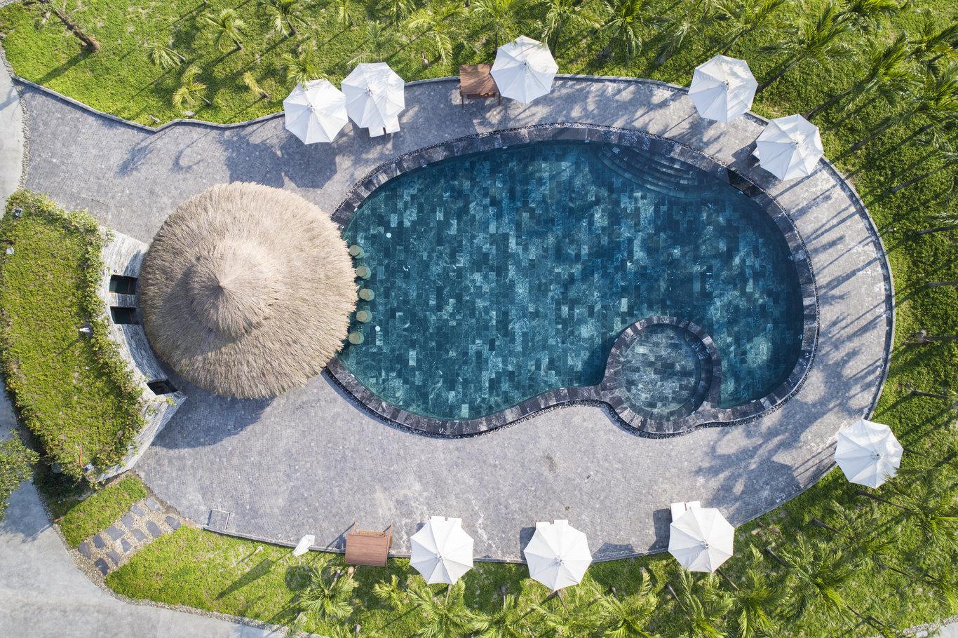 nhà hàng hồ bơi khu nghỉ dưỡng fusion
