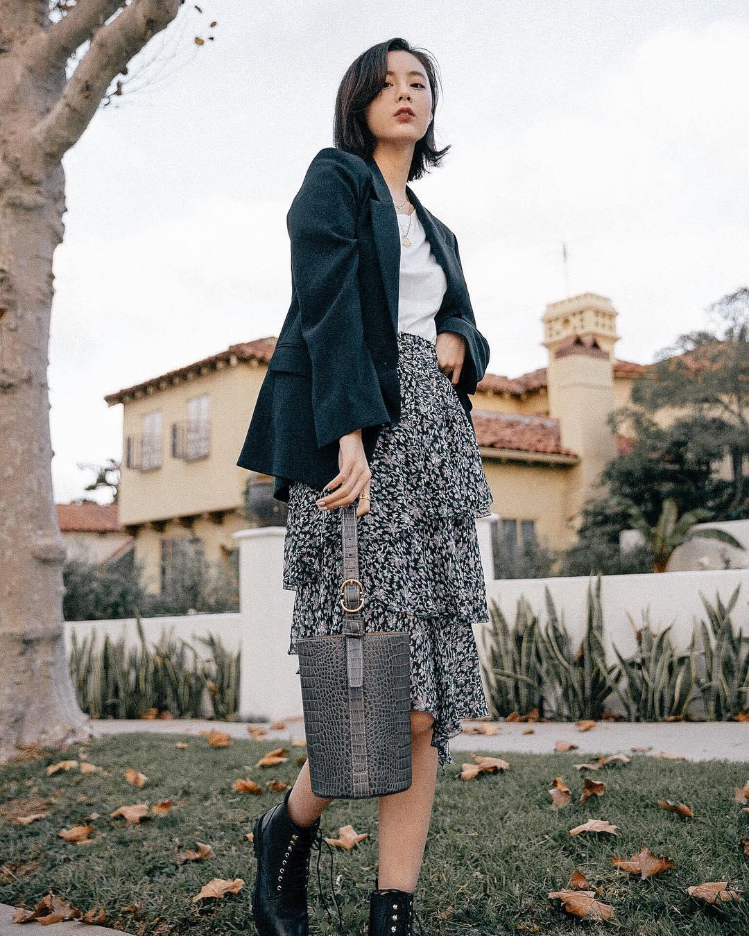 Dress code semi formal - chân váy hoa nhí xếp tầng