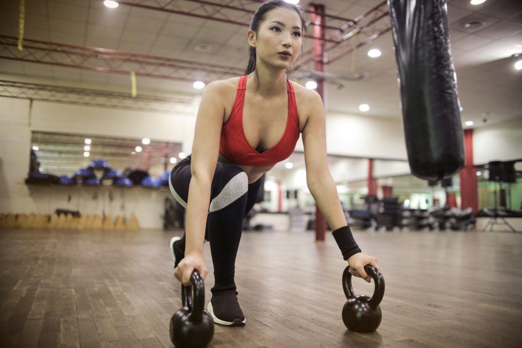 squat với tạ